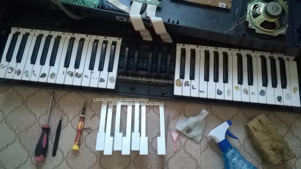 Разборка и чистка клавиш синтезатора Casio в Рязани